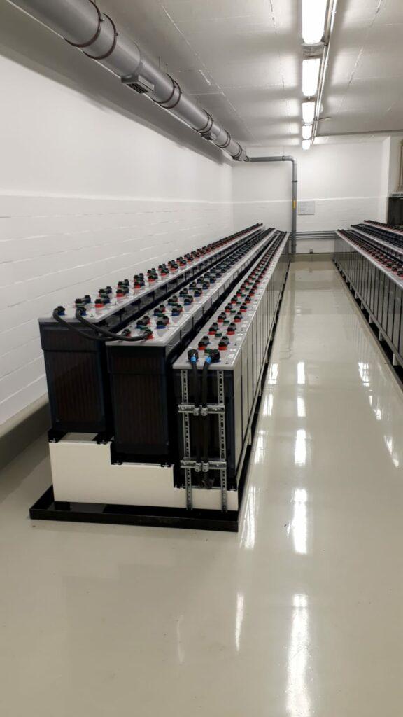 stationäre Batterie 1000 Ah, 220 V